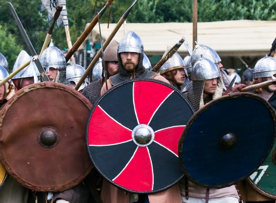 Воины 11 века.