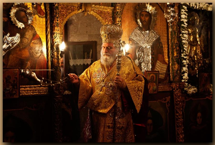 Литургия в храме Архангела Михаила в Иерусалиме