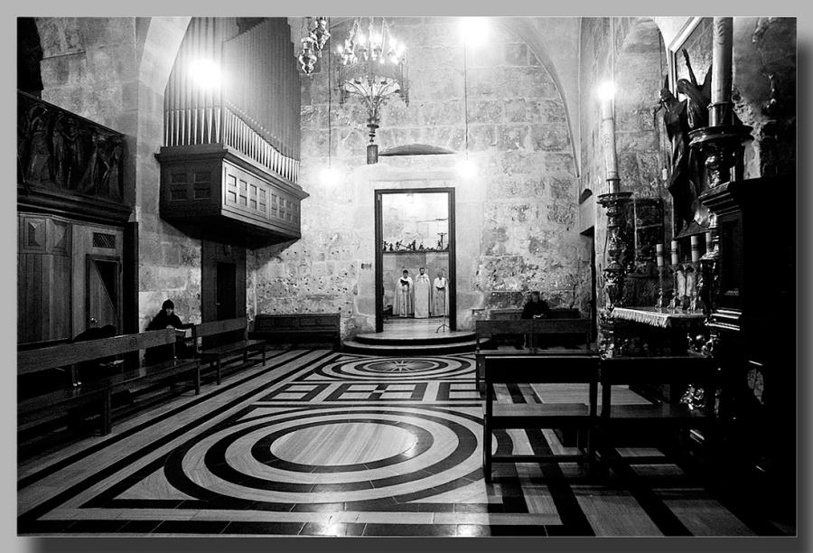 Храм Гроба Господня..католическая месса