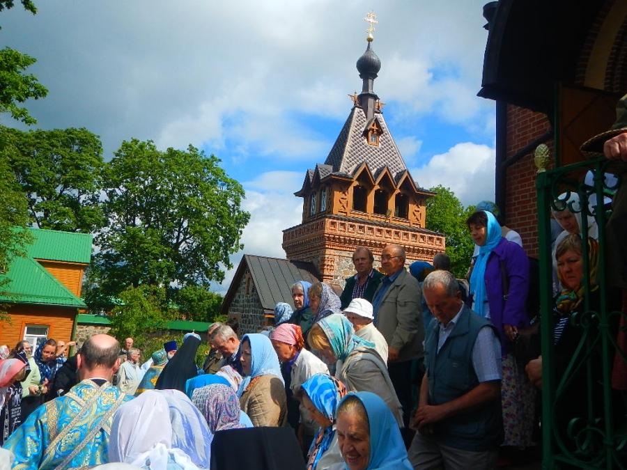 Пюхтицкий Успенский Ставропигиальный женский монастырь...