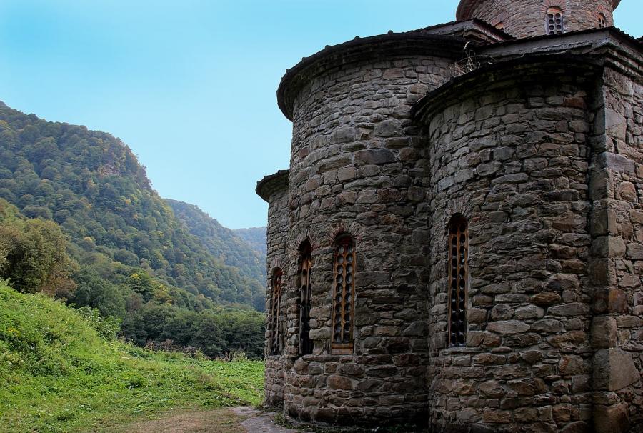 Этим стенам около 1000 лет