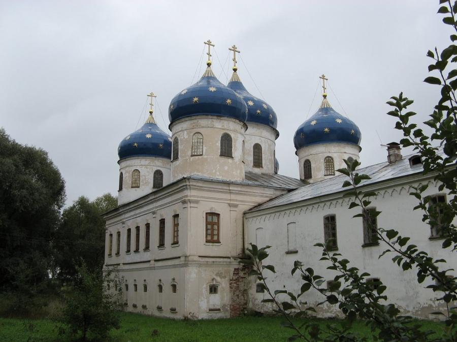 Собор Воздвижения Честного Креста Господня в Юрьевом монастыре