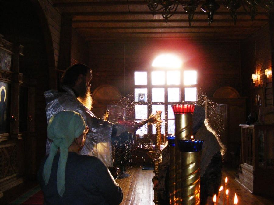 на крещение в храме