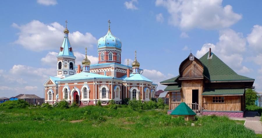 В Свято-Никольском мужском монастыре. Омская область, д. Болшекулачье.