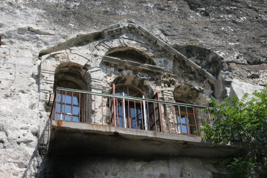 Инкерманский пещерный монастырь 2.