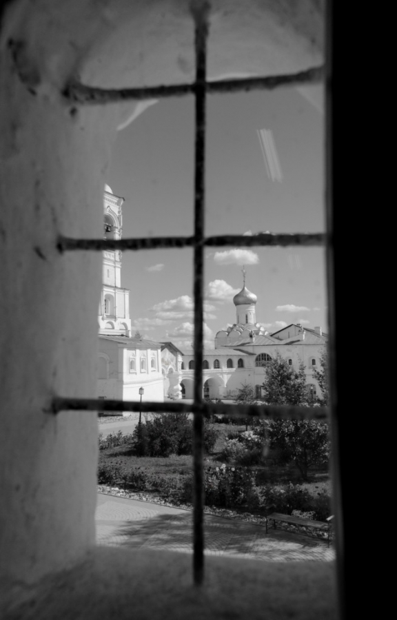 в мир..окно