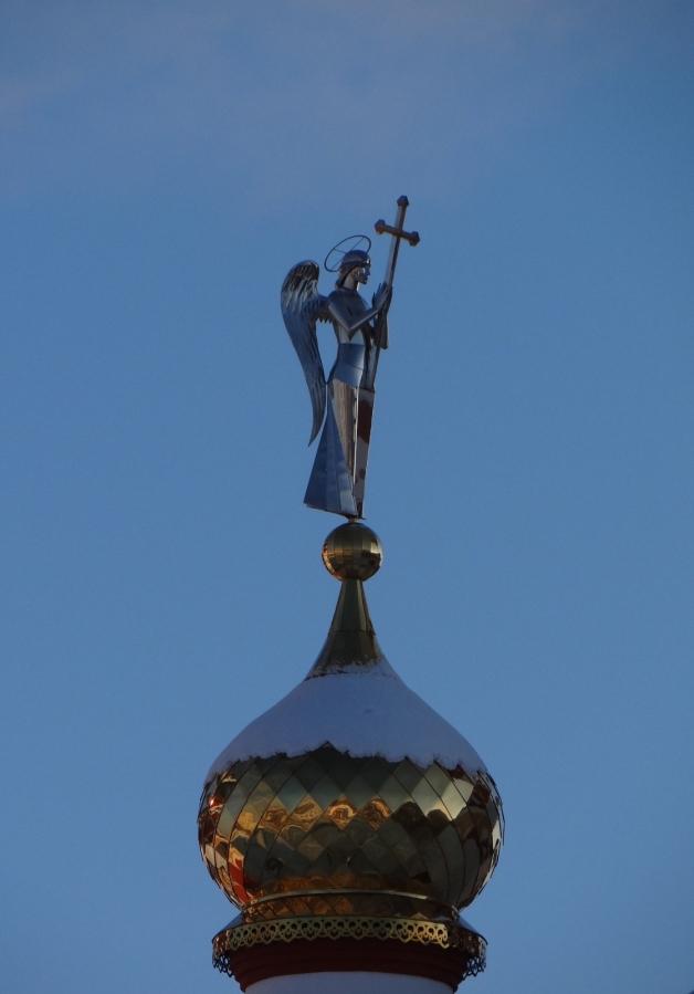 Ангел с купола храма в честь Новомученников