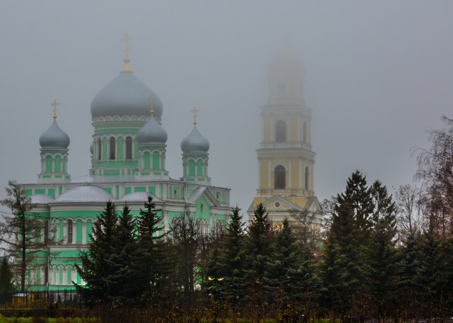 Дивеево. Храм в тумане.