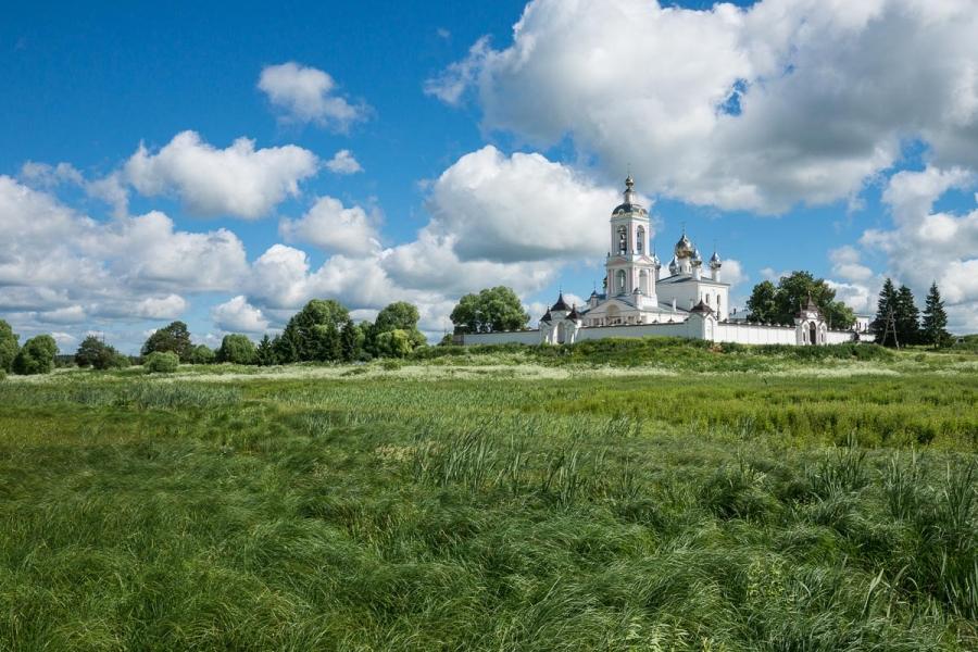 Монастырь Сошествия Креста Господня на Никольском погосте близ села Антушко