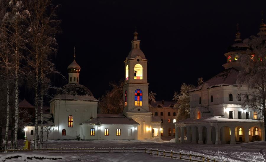 Монастырский свет