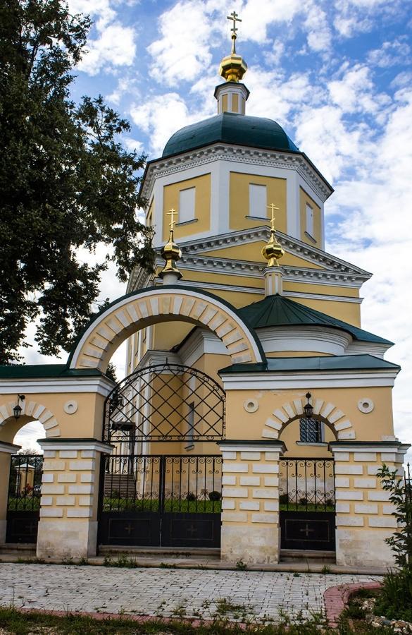 Верея.Константиновская церковь.