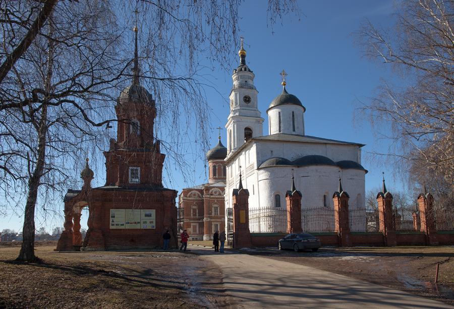 Волоколамский кремль. Весна