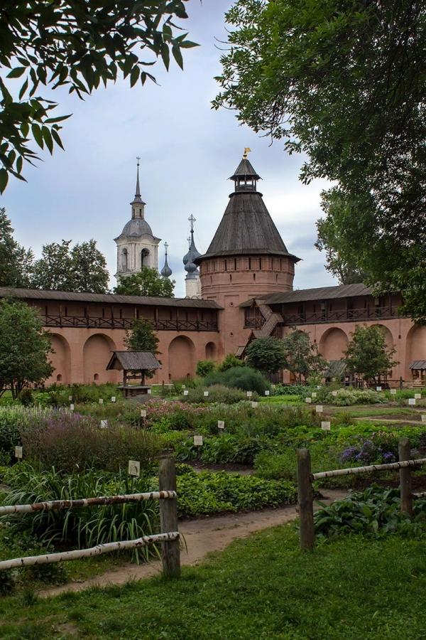 Монастырский огород.