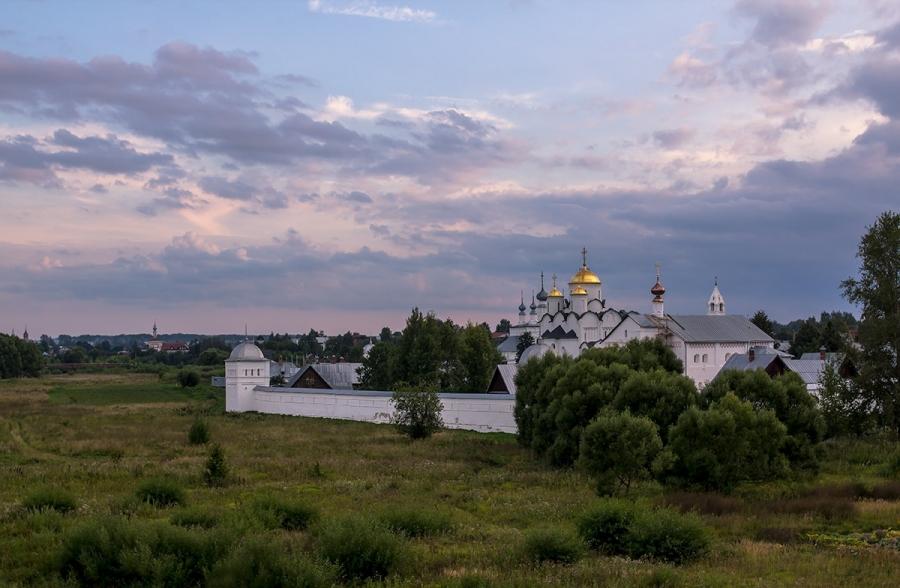 Покровский женский монастырь.
