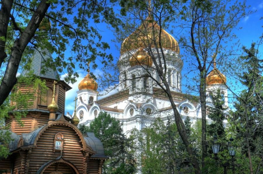 В окрестностях Храма Христа Спасителя