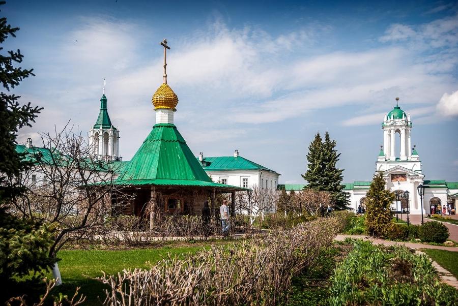 Спасо-Яковлевский Димитриев монастырь в Ростове Великом