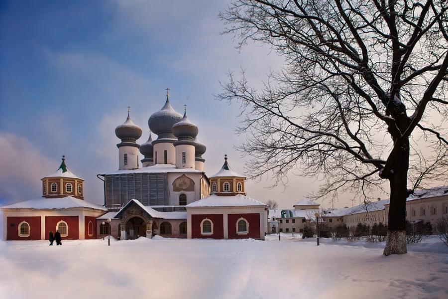 Тихвинский Успенский мужской монастырь