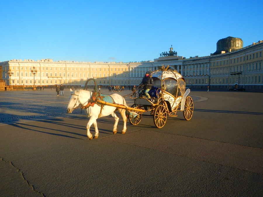 На дворцовой площади.