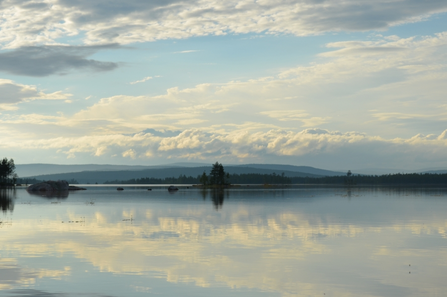 На заполярном озере