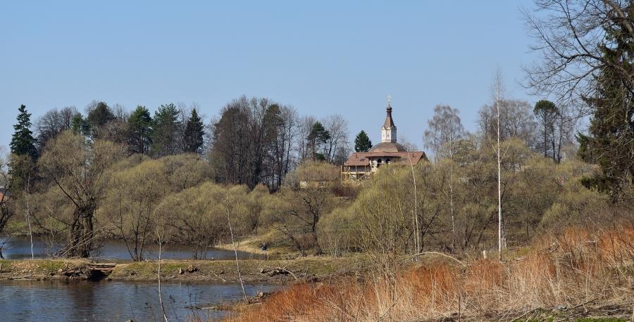Весенний пейзаж с Киновией.