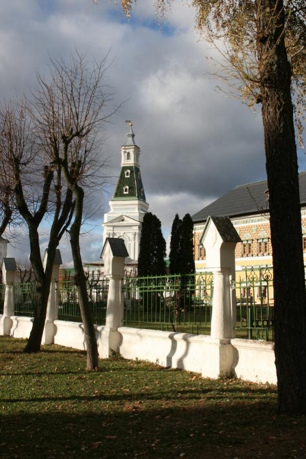 Вид на Смоленскую церковь.