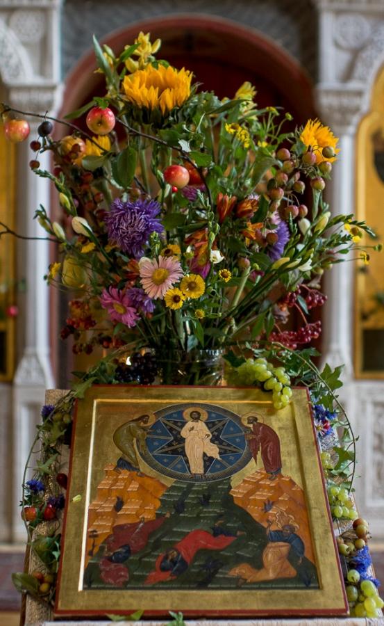 Убранство храма к празднику - Преображение Господне